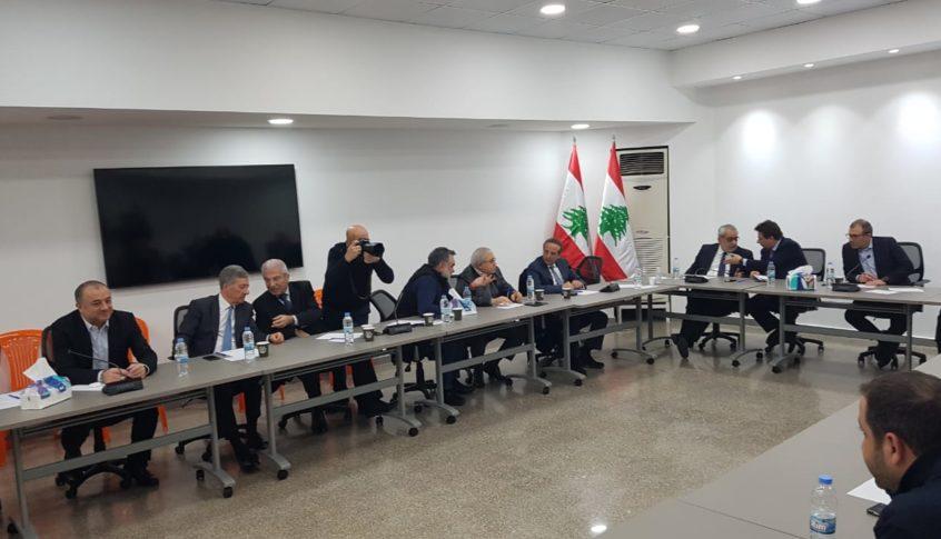 لبنان القوي: لن نبقى مكتوفي الأيدي خصوصاً أن لدينا معلومات بمبالغ كبيرة تم تحويلها إلى الخارج بعد 17 تشرين