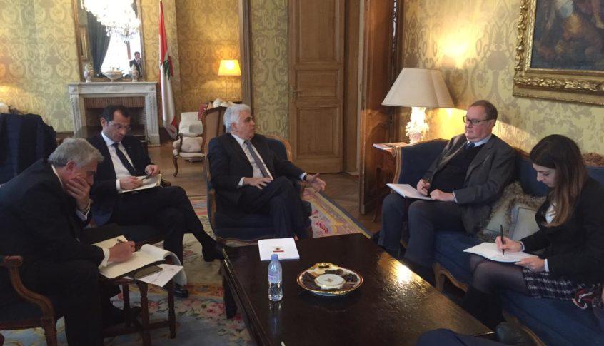 حتي بحث مع لودريان سبُل مساعدة فرنسا للبنان وكيفية تطبيق الاصلاحات اللازمة لتنفيذ مقررات مؤتمر سيدر