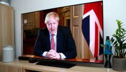 جونسون يعتزم تخفيف قيود العزل العام في بريطانيا بأسرع وقت