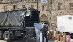 توزيع مواد تنظيف وتعقيم وفرش على نزلاء سجن صور