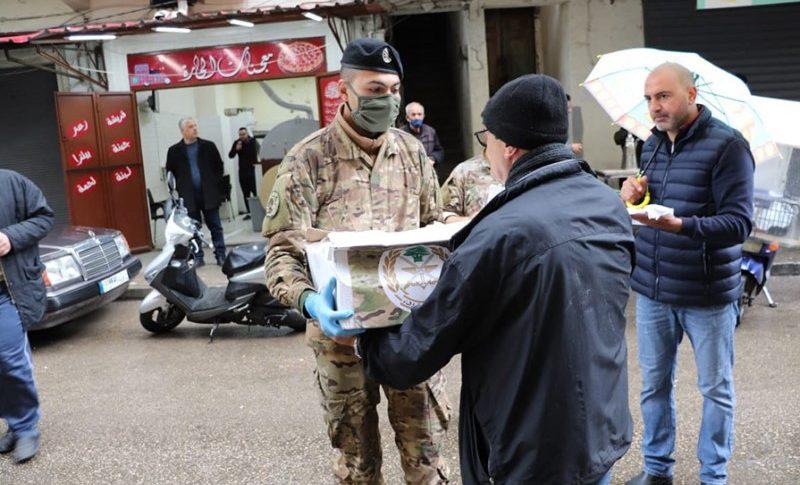 الجيش سيتولى توزيع المساعدات ليلاً!