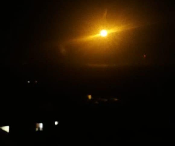 العدو الإسرائيلي يطلق قنابل مضيئة فوق بلدات الوزاني