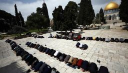 المسجد الأقصى يعيد فتح أبوابه بعد إغلاقه لأكثر من شهرين