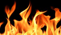 حريق داخل مبنى في البترون