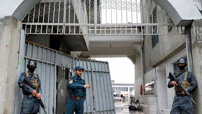 الافراج عن أول مئة سجين من طالبان في أفغانستان