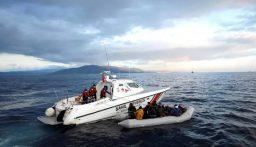 خفر السواحل التركي أنقذ 23 طالب في المياه الإقليمية التركية