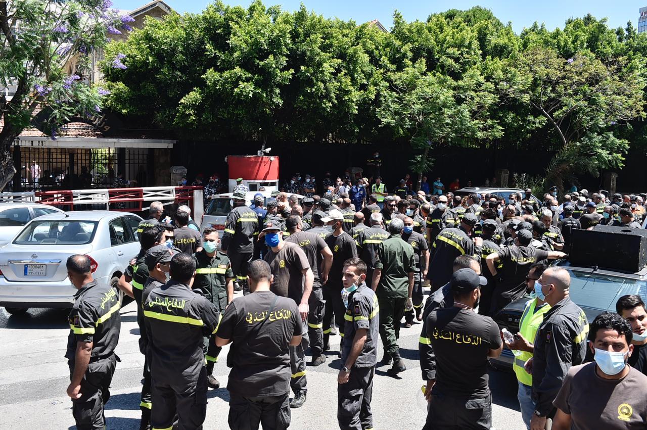 الدفاع المدني اضراب