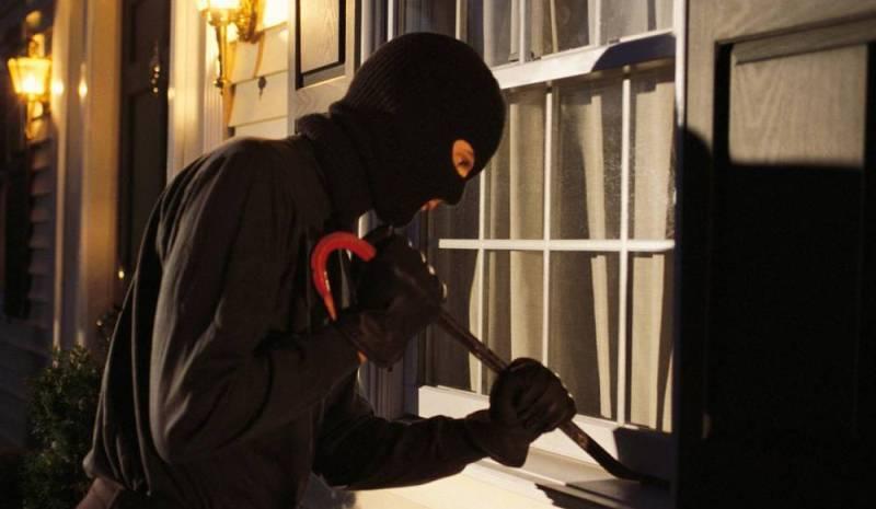سرقة محولات للكهرباء وكأس القربان من دير مار رومانوس في جبولة