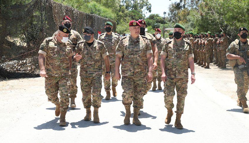 قائد الجيش تفقد الوحدات المنتشرة في منطقة الجنوب