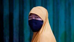 إندونيسيا تسجل 585 إصابة جديدة بكورونا و23 وفاة