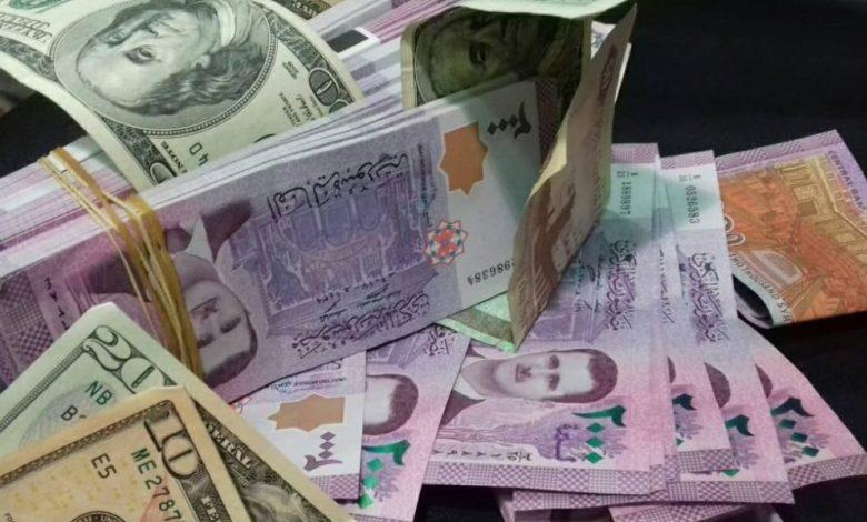 لأول مرة.. انهيار الليرة السورية إلى أدنى مستوياتها أمام الدولار!