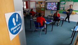 بريطانيا تعيد فتح المدارس وسط تخوف الأهالي من عدوى كورونا