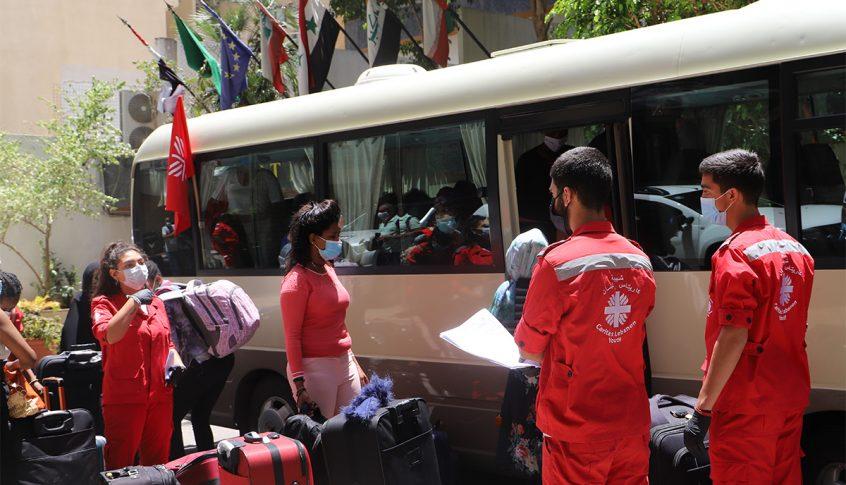 كاريتاس: نقل العاملات الاثيوبيات ال 35 الى بيوت الايواء لحين ايجاد الحلول المناسبة مع المعنيين