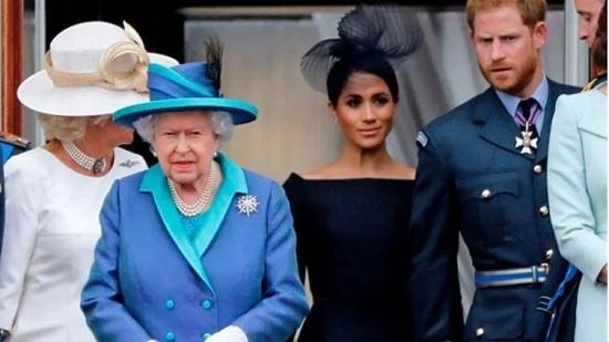 الأمير تشارلز توقع المشاكل عند انضمام ميغان ماركل للعائلة المالكة