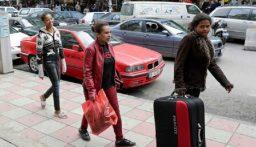 وزارة العمل: نقل الأثيوبيات إلى فندق بيروتي بعد تجمعن أمام قنصلية بلادهن