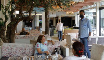 المنتجعات والمطاعم فتحت… لكن النتائج مُخيّبة (ايفا ابي حيدر-الجمهورية)