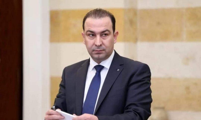 وزير الزراعة يطالب عكر بتكثيف نشاط مروحيات الإطفاء في قضاء الهرمل