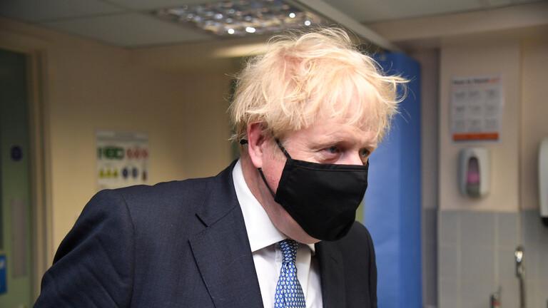 بريطانيا.. جونسون يعتذر بسبب تمديد إجراءات الحظر