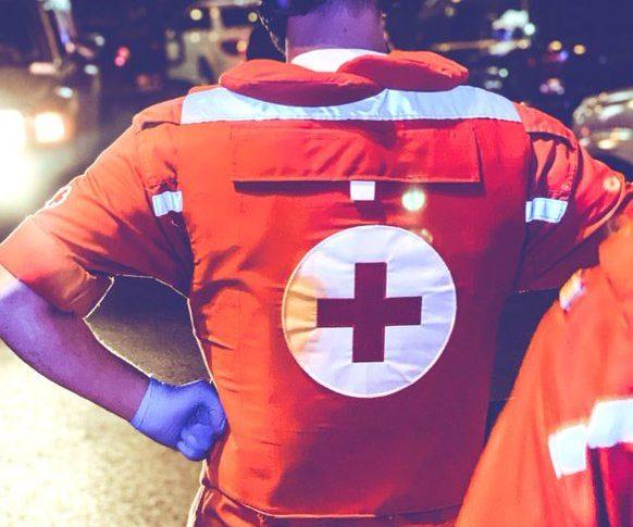 الصليب الاحمر عن احداث طرابلس: 6 فرق دعم توجهت الى ساحة النور ليصبح مجموع الفرق المستجيبة 13