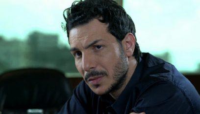 بالفيديو- باسل خياط منهار بعد وفاة والده: سامحوني!