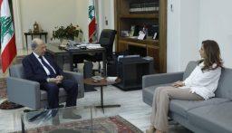 الرئيس عون يلتقي عكر ويشدد على ضرورة تنسيق العمل بين الإدارات الرسمية