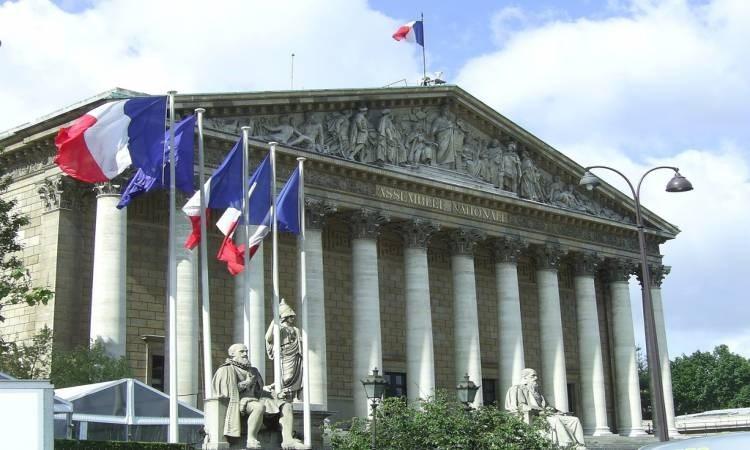 الحكومة الفرنسية تخطط لبرنامج إقراض للشركات الصغيرة المتأثرة بأزمة كورونا