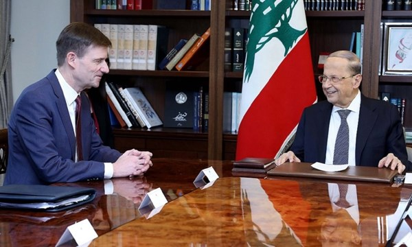 هيل زار بعبدا وأعلن وقوف واشنطن إلى جانب لبنان .. والرئيس عون: مصمم على إجراء الاصلاحات الضرورية ومكافحة الفساد