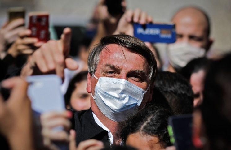 الرئيس البرازيلي يرفض أخذ لقاح كورونا!