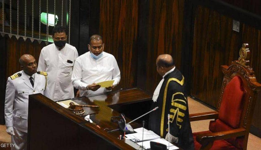 قاتل محكوم بالإعدام يؤدي اليمين نائبا برلمانيا…