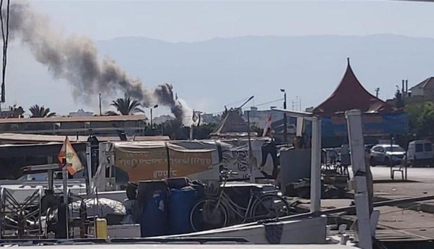 بالصورة: حريق في مرفأ طرابلس سببه التلحيم!