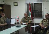 الجيش: تسليم شهادات أراضٍ منظفة من قبل منظمة المجموعة الاستشارية للألغام