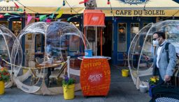 خيم فقاعية تخفف معاناة مطعم في نيويورك