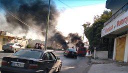 اقفال الطريق امام محطة الكهرباء في الهرمل احتجاجا على انقطاع التيار