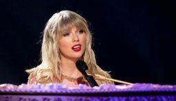 """ألبوم """"فولكلور"""" لتايلور سويفت يتصدر مبيعات 2020 بمليون نسخة"""