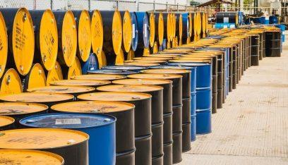 النفط يتجه نحو ثاني انخفاض شهري