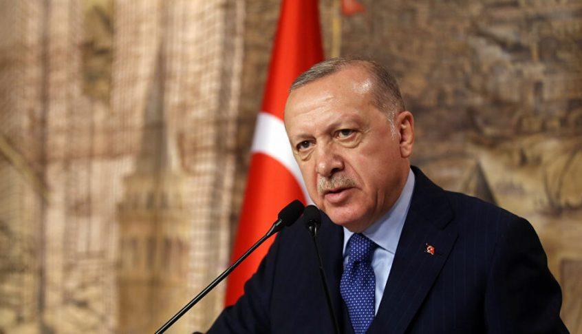 """بالفيديو: """"اشرب شاي"""".. رد فعل """"صادم"""" من أردوغان على مواطن اشتكى البطالة!"""