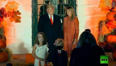 بالفيديو: ترامب وزوجته يلتقيان شبيهيهما الصغيرين!