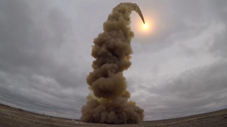 مشاهد تحبس الأنفاس.. تجربة جديدة لمنظومة روسية مضادة للصواريخ (فيديو)