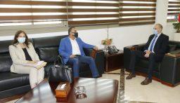 حسن تابع تجهيز قسم عناية لكورونا في مستشفى المنية