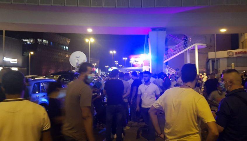 ناشطون تجمعوا في جل الديب لازاحة الستارة عن لوحة 17 تشرين