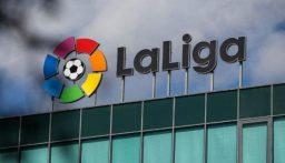"""رابطة الدوري الإسباني تؤجل مباراة بعد """"إصابات كورونا"""""""