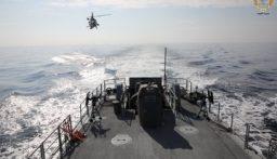 تمارين مشتركة بين القوات الجوية والبحرية في الجيش والفرقاطة الفرنسية