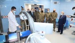 قائد الجيش يفتتح قسم العمليات الجراحية في المستشفى العسكري