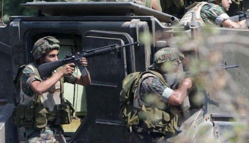 الجيش ينفذ عمليات دهم في بعلبك ويوقف أشخاصاً ويضبط مخدرات واسلحة