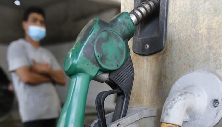 لماذا يختفي البنزين والمازوت من المحطات؟