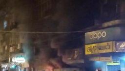 الجيش يفرق محتجين أشعلوا مواد حارقة عند الباب الحديدي لمدخل مخفر التل