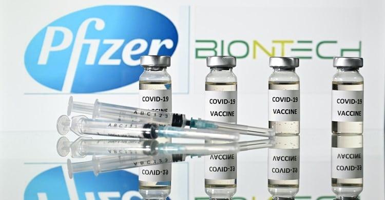 المفوضية الأوروبية توقع اتفاقا مع شركة فايزر ـ بايونتك لشراء 1.8 مليار جرعة من لقاح كورونا