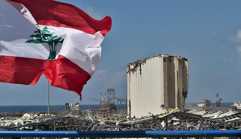 رويترز عن مسؤولين لبنانيين: تمت سرقة معظم شحنة نترات الأمونيوم قبل انفجارها بالمرفأ