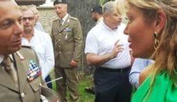 مستوعبان من الملابس هبة إيطالية لعائلات لبنانية محتاجة
