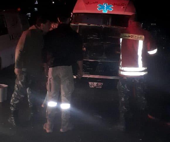 إهماد حريق في محرك سيارة إسعاف الكشاف العربي
